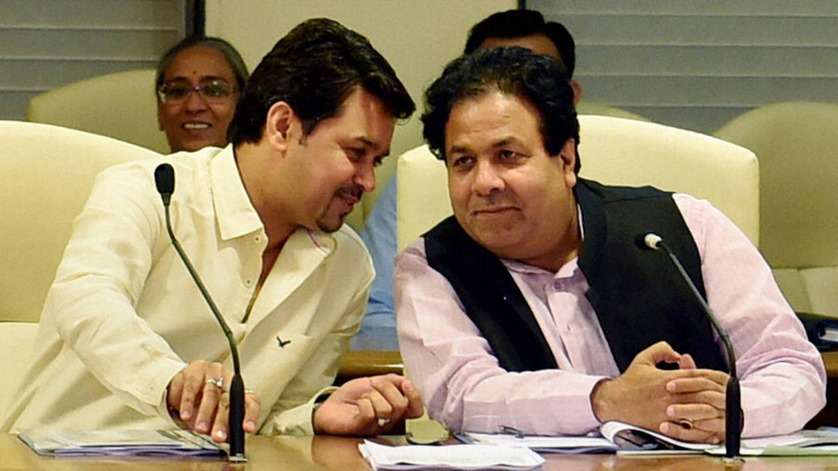 Members of Parliament, Anurag Thakur (L) and Rajeev Shukla (R) hold prominent posts in the BCCI at the moment. (Photo: PTI)