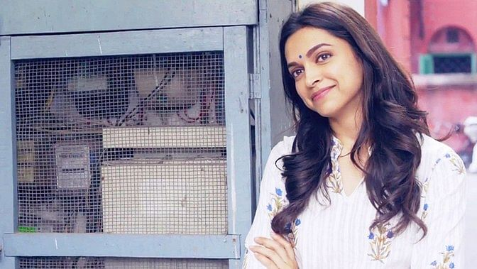 "Deepika Padukone in a still from the movie <i>Piku</i>. (Photo Courtesy:<a href=""https://www.facebook.com/PikuTheFilm/""> Facebook/Piku</a>)"