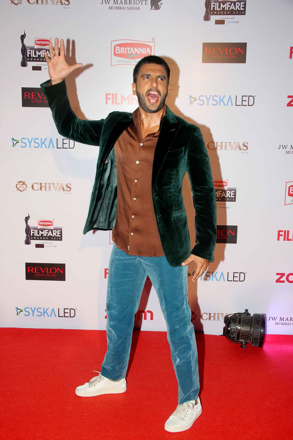 Ranveer Singh: Just when we thought his fashion sense was improving (Photo: Yogen Shah)