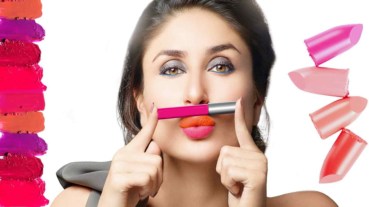 When was the last time you gave your cosmetic kit a thorough clean-up? (Photo: Lakmé altered by The Quint)