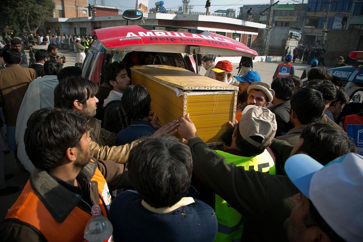 Coffin of a victim of the shooting at the Bacha Khan University of Pakistan on 20 January 2016. (Photo: AP)