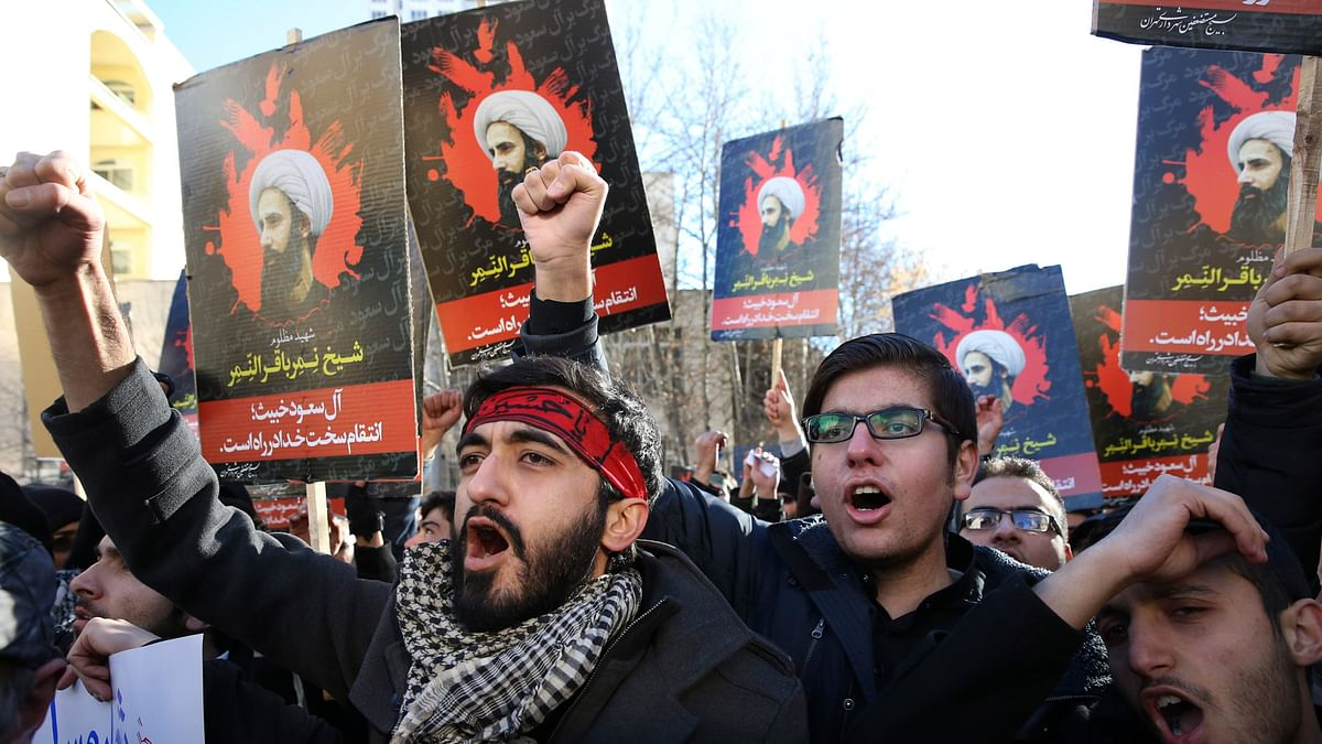 Iranian demonstrators chant slogans during a protest denouncing the execution of Sheikh Nimr al-Nimr, a prominent opposition Shiite cleric in Saudi Arabia. (Photo: AP)