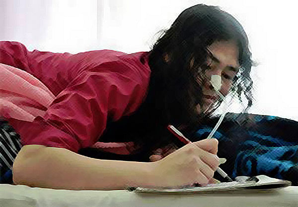 "Exchanging letters with Desmond is one of the few private joys Sharmila is allowed. (Photo: Facebook/<a href=""https://www.facebook.com/Iron-Lady-of-Manipur-Irom-Sharmila-Chanu-1457117077849765/photos_stream"">IromSharmila</a>)"