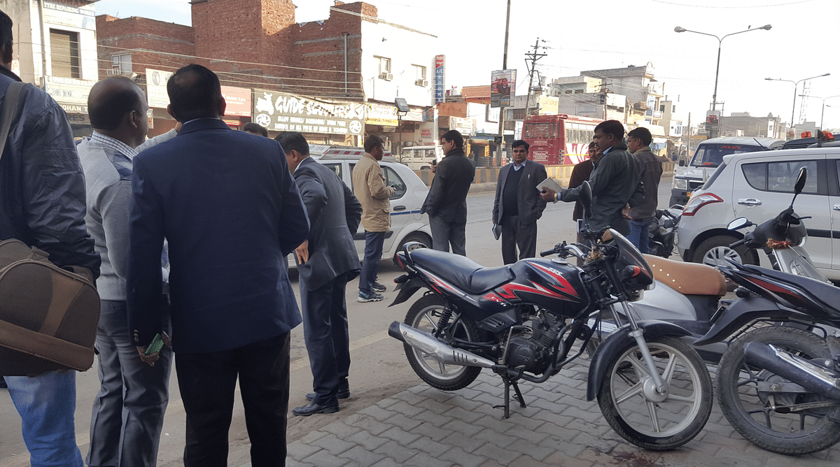 Some members of the National Investigation Agency in Pathankot town before leaving to continue with their probe. (Photo: Chandan Nandy)