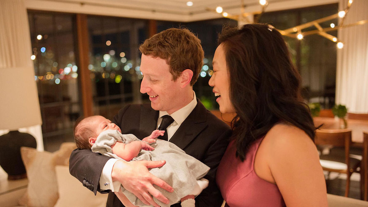 """'I hope your 2016 is happy, healthy and productive,' posted Zuckerberg with this photo on his Facebook page. (Photo: <a href=""""https://www.facebook.com/photo.php?fbid=10102573718893501&amp;set=a.529237706231.2034669.4&amp;type=3&amp;theater"""">Facebook</a>)"""
