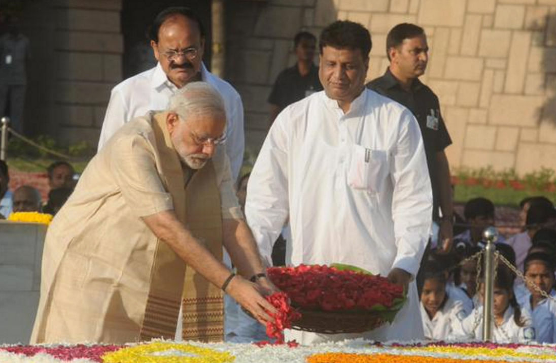 In 2015, Modi was criticised for not walking the 200 metre distance to Lal Bahadur Shastri's memorial after he paid respect to Gandhi at Raj Ghat. Both leaders were born on October 2. (Photo: Twitter/@dibang)