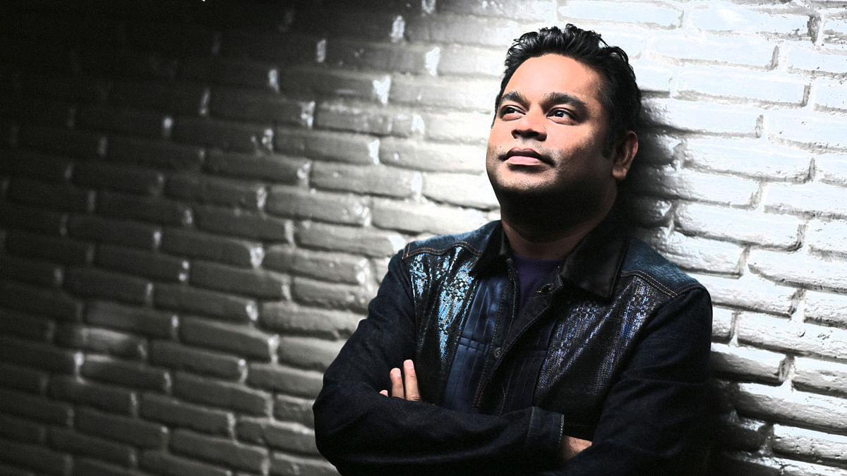"""AR Rahman talks about staying humble and staying passionate in his Twitter chat with fans (Photo: Twitter/<a href=""""https://twitter.com/igtamil"""">@igtamil</a>, altered by The Quint)"""