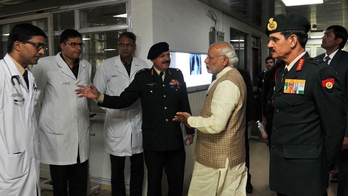 """Prime Minister Narendra Modi and Army Chief Dalbir Suhag at Army's R &amp; R Hospital. (Photo: Twitter/<a href=""""https://twitter.com/PMOIndia"""">@PMOIndia</a>)"""