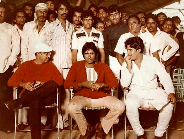 Manmohan Desai and his son Ketan Desai with Amitabh Bachchan on the sets of <i>Coolie </i>(Photo courtesy: Twitter)