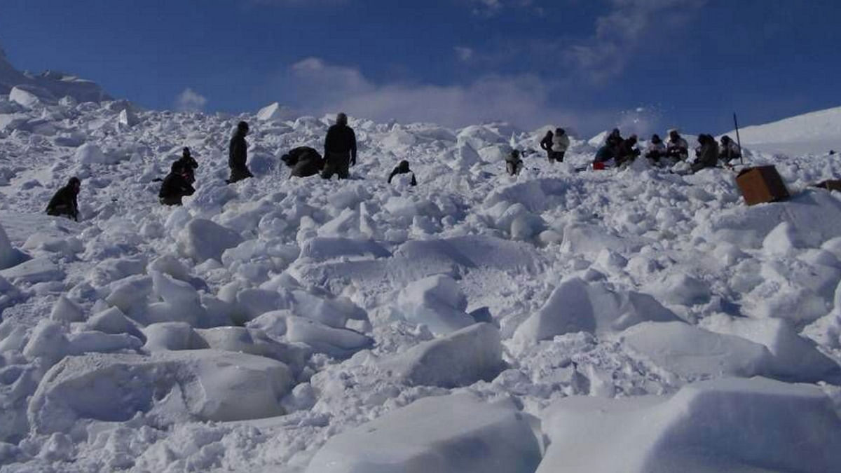 Six Soldiers Killed in 4 Avalanche Strikes in J&K, 59 Dead in PoK