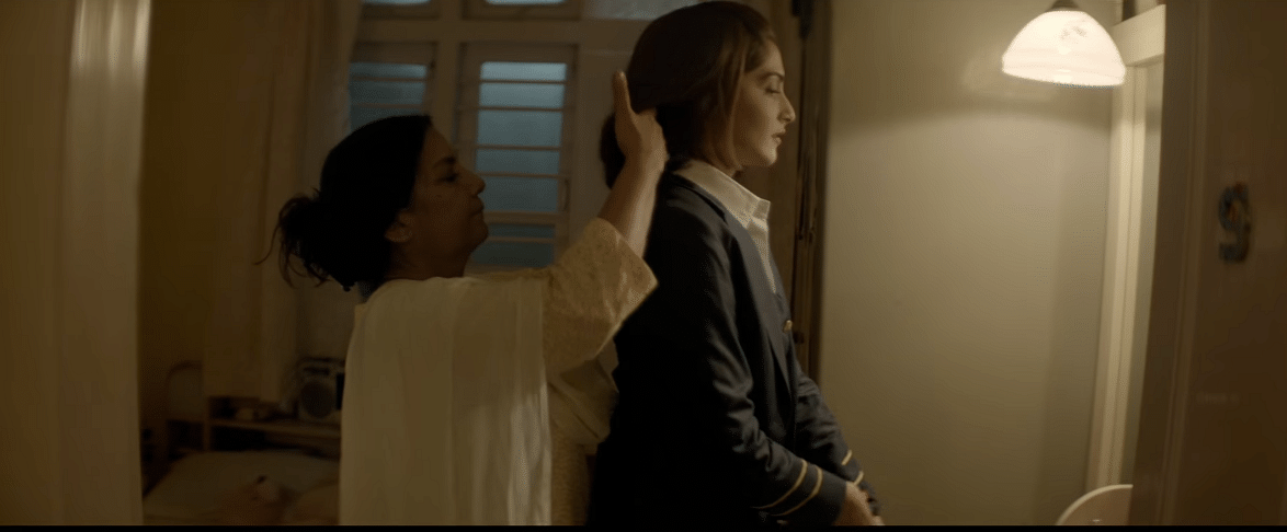 Shabana Azmi and Sonam Kapoor in <i>Neerja</i>