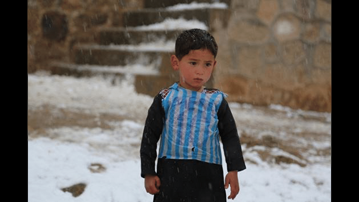 "5-year-old Murtaza Ahmadi, Messi's biggest fan from Afghanistan. (Photo: Twitter/<a href=""https://twitter.com/XHNews"">@XHNews</a>)"