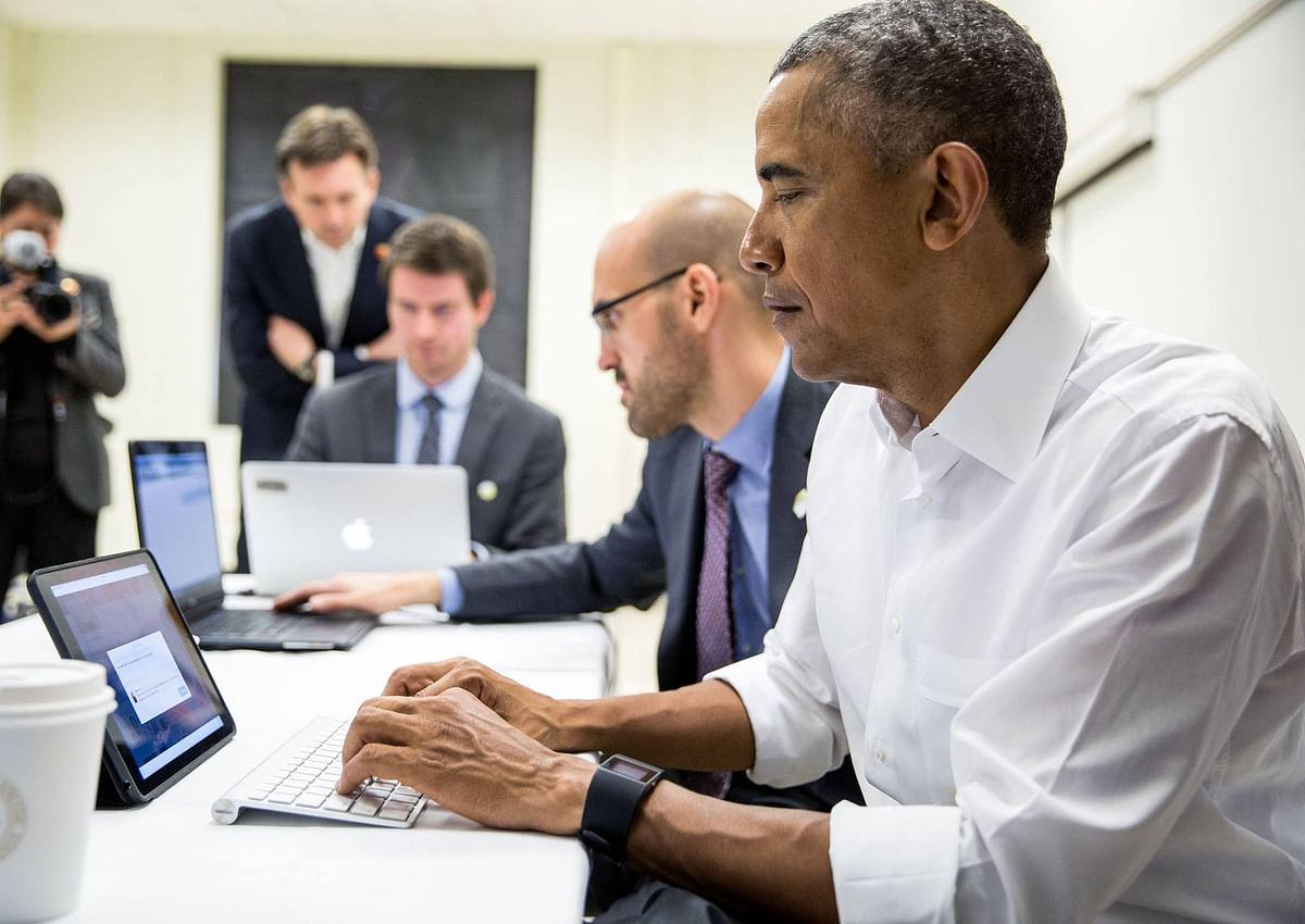 """US President Barack Obama on his computer. (Photo: The White House <a href=""""https://www.facebook.com/WhiteHouse/photos/pb.63811549237.-2207520000.1455095182./10154035717259238/?type=3&amp;theater"""">Facebook</a> Page)"""