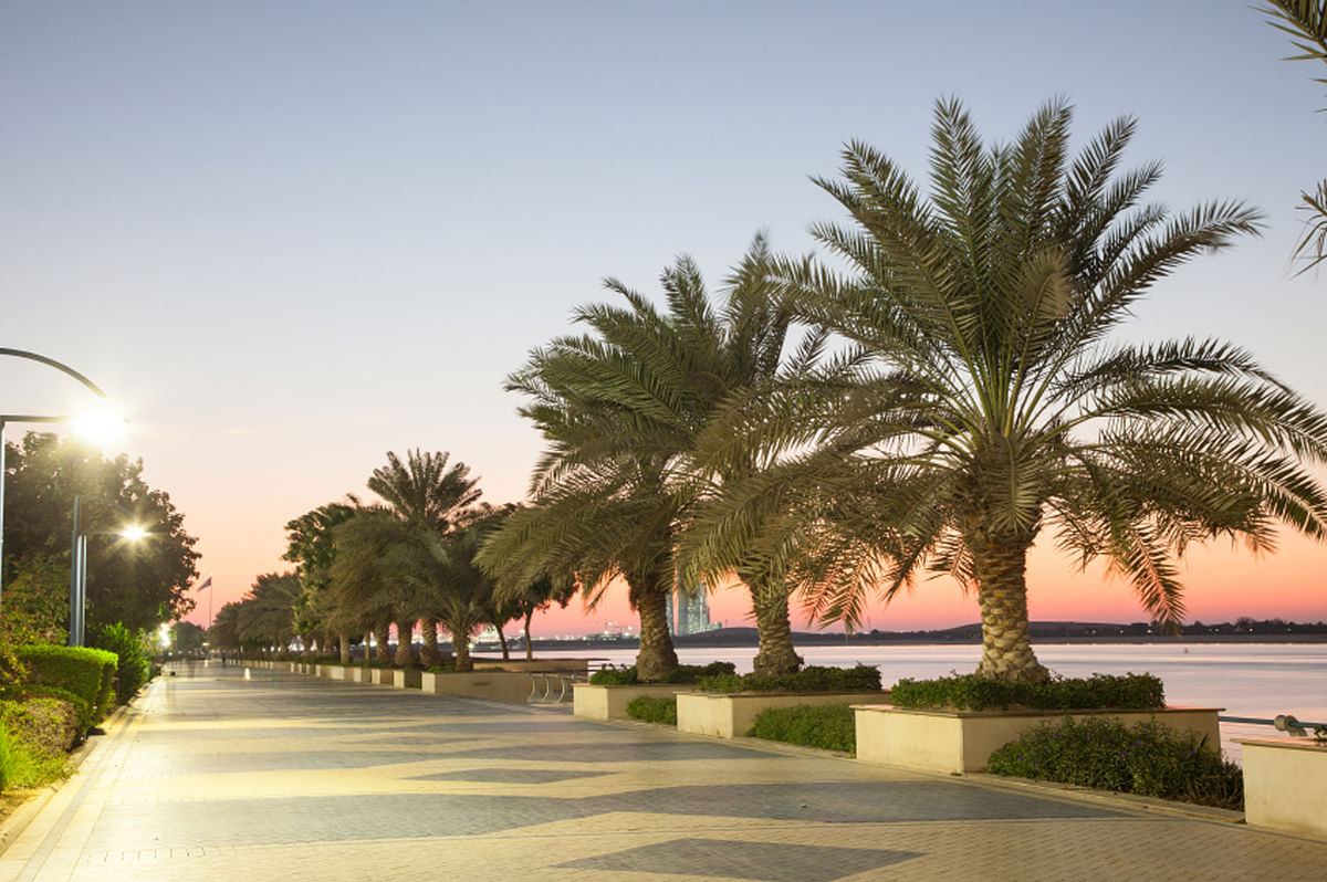 The promenade in Abu Dhabi at dusk. (Photo: iStock)