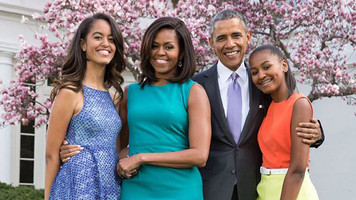 """The Obama family. (Photo: The White House <a href=""""https://www.facebook.com/WhiteHouse/photos/pb.63811549237.-2207520000.1455095182./10154035717259238/?type=3&amp;theater"""">Facebook</a> Page)"""
