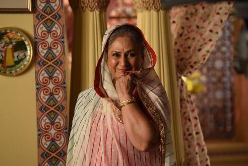 Jaya Bachchan shoots for a TV commercial with Big B (Photo: srbachchan.tumblr.com)