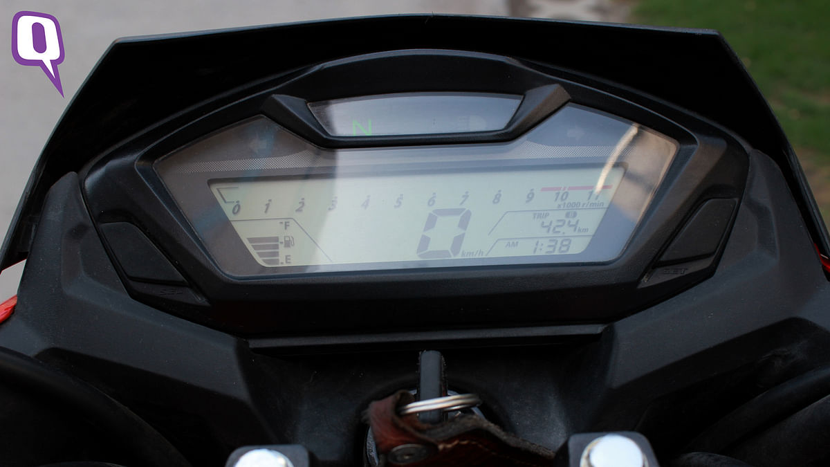 The Instrument Cluster has a neat layout. (Photo: <b>The Quint</b>)