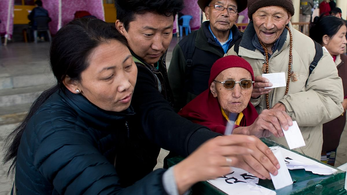 Exiled Tibetans cast their vote to elect the next prime minister and the parliamentarians in Dharamsala. (Photo: AP)