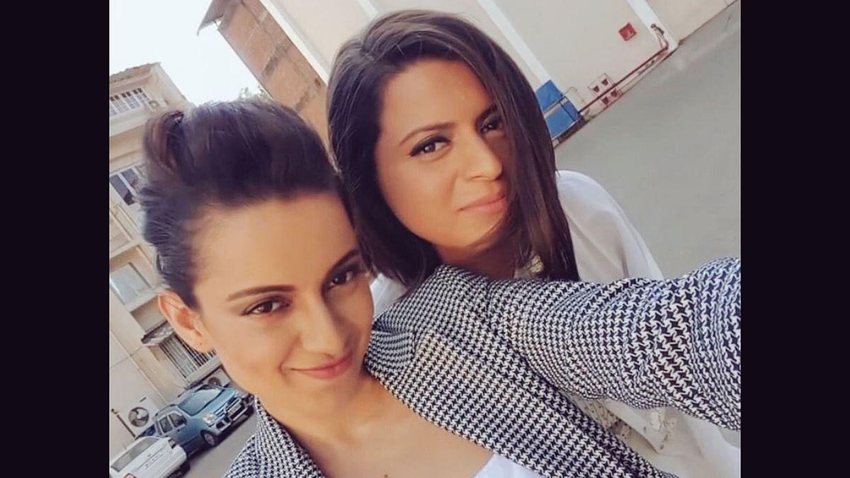 Kangana Ranaut takes a selfie with her sister Rangoli.