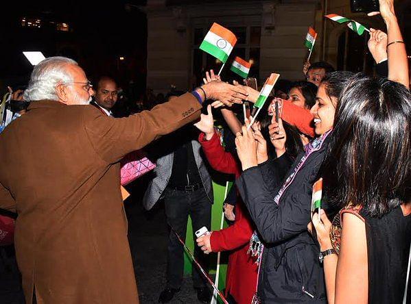 "Narendra Modi meeting the Indian population in Belgium. (Photo: <a href=""https://twitter.com/PIB_India/status/715051991001595904"">Twitter</a>)"