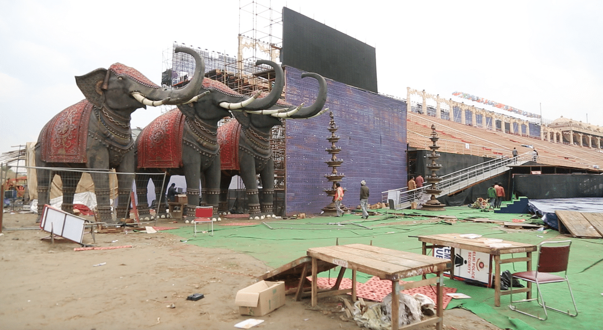 Elephants and debris at the end of the three-day world culture festival. (Photo: <b>The Quint</b>/Sanjoy Deb)