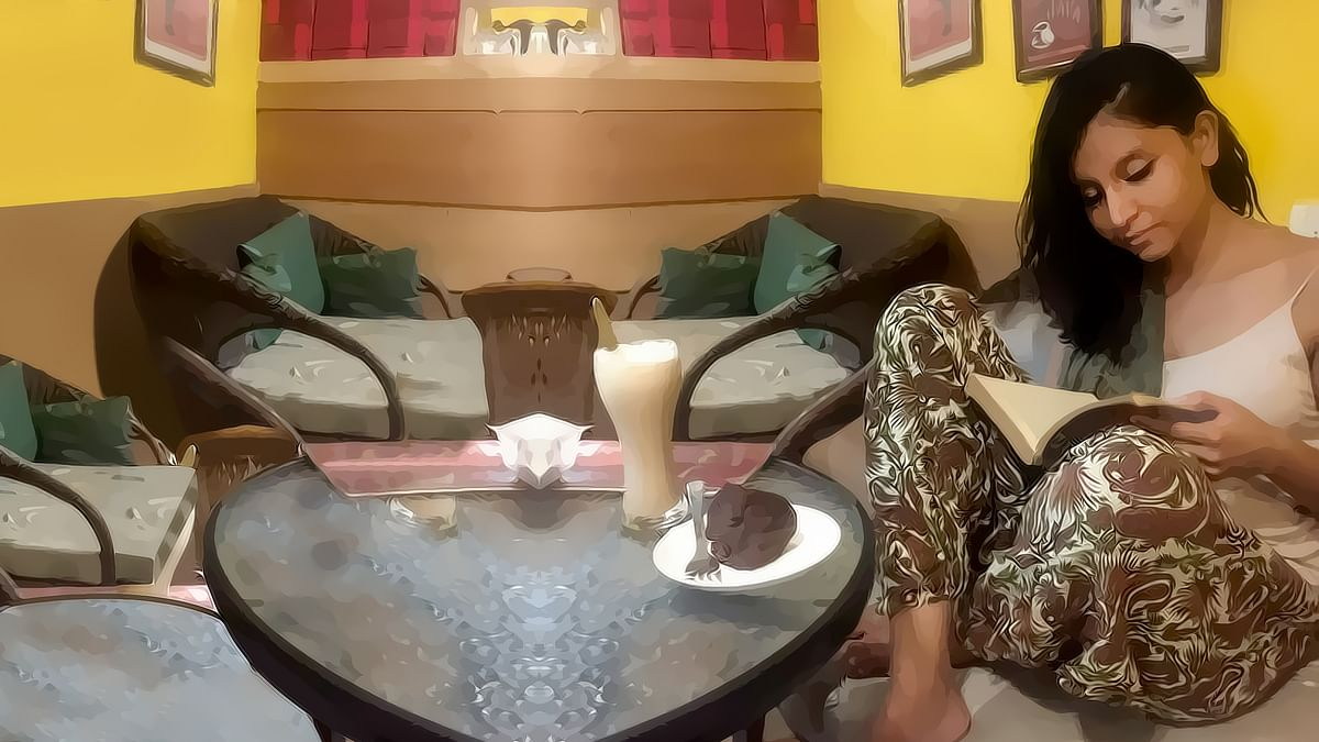 """I've been sitting in cafes and doing a major amount of my reading and writing for close to a decade now. (Photo Courtesy: <a href=""""https://www.facebook.com/urmi.bhattacheryya"""">Facebook/Urmi Bhatttacheryya</a>)"""