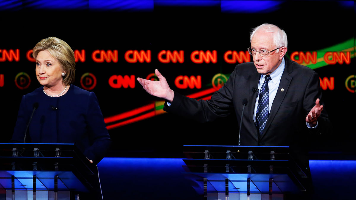 Democratic Candidates Hillary Clinton (left) and Bernie Sanders (right). (Photo: AP)