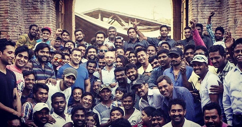 Salman Khan with team <i>Sultan </i>(Photo courtesy: Twitter)