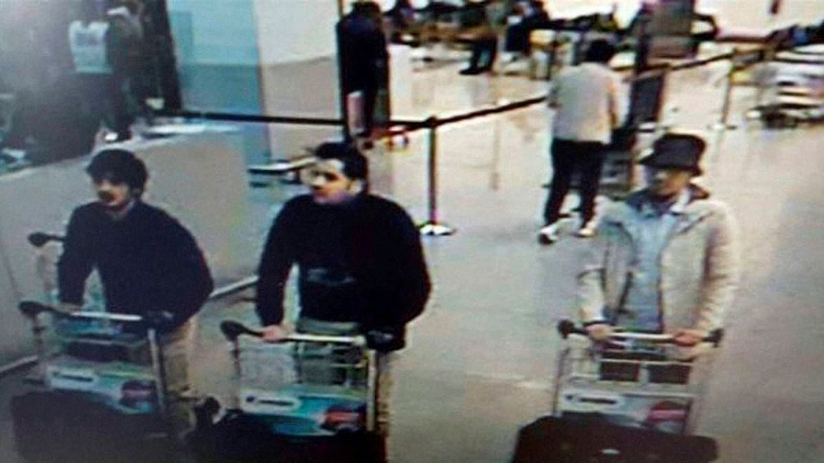 This image released by the Belgian Federal Police on 22 March  show the three men suspected of taking part in Brussels terror attacks. (Photo: PTI)
