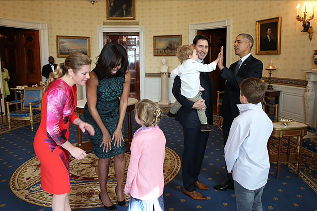 "Justin Trudeau and Barack Obama with their families. (Photo: <a href=""https://twitter.com/JustinTrudeau/status/707987760334970881"">Twitter</a>)"