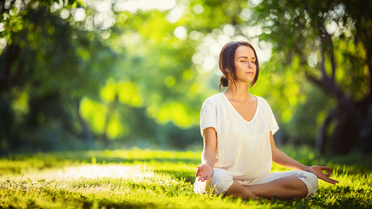 Here Are Five Pranayama Poses to Make You Air Pollution Proof