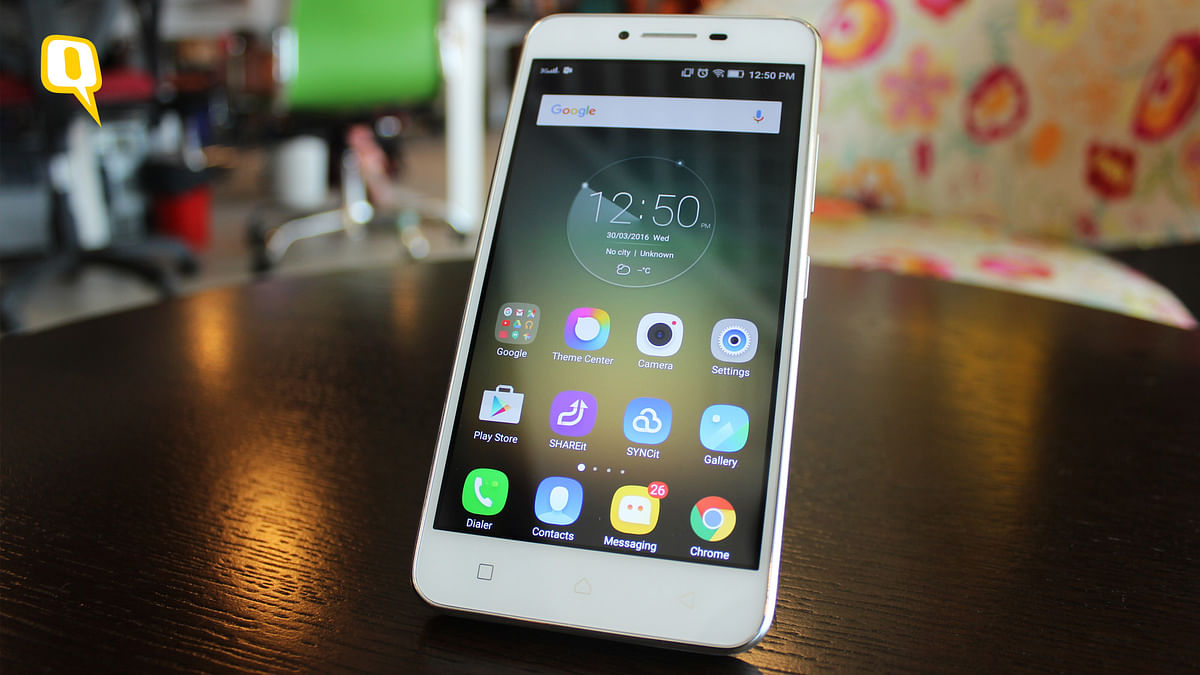Lenovo K5 Plus offers a premium looking 4G smartphone at an affordable price point (Photo: Aaqib Raza Khan/<b>The Quint</b>)