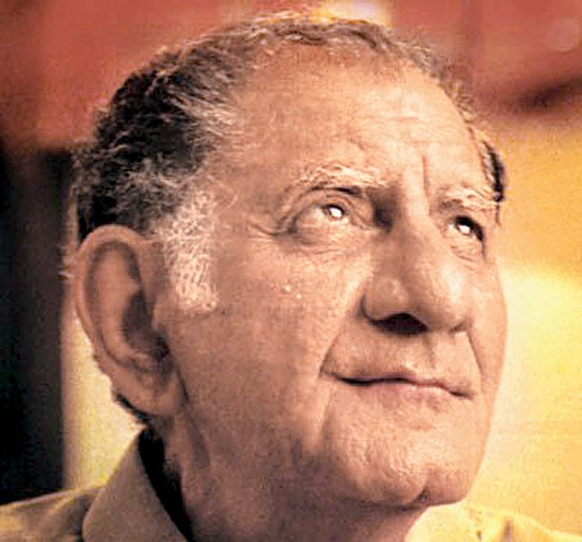 Anand Bakshi passed away on March 30, 2002.