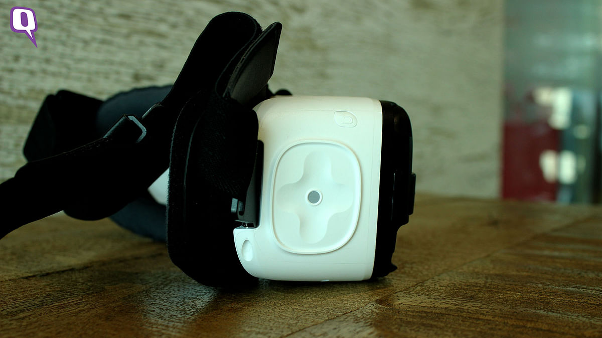 Soft touchpad on the Samsung Gear VR. (Photo: <b>The Quint</b>)