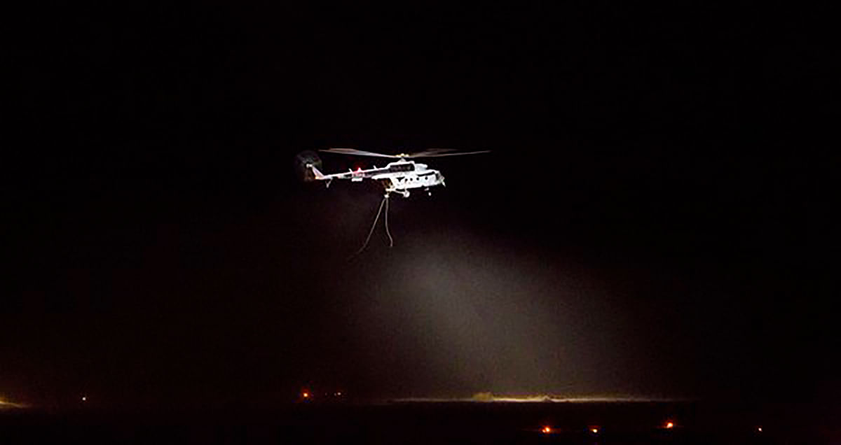 """Where Eagles dare: Troop insertion by night (Photo Courtesy: <a href=""""https://twitter.com/PIB_India/status/710852391327825920"""">Twitter</a>)"""