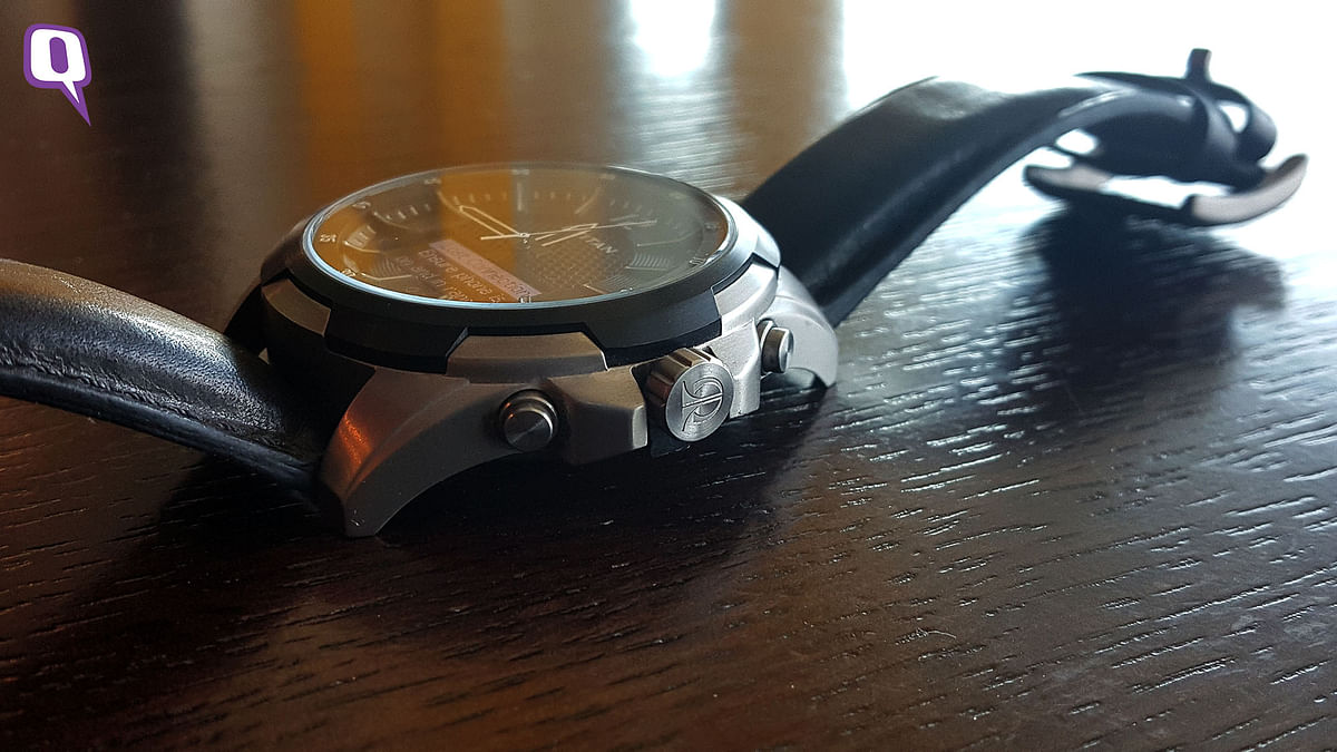 Titan Juxt heavier than most smartwatches. (Photo: <b>The Quint</b>)