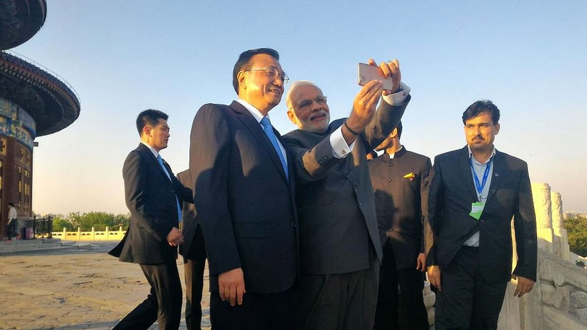 "Indian Prime Minister Narendra Modi with Chinese Premier Li Keqiang. <a href=""https://twitter.com/meaindia"">(Courtesy: Twitter/@MEAIndia)</a>"