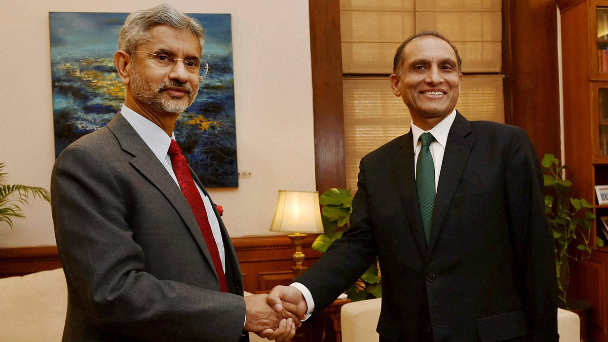 Foreign Secretary S Jaishankar ( right ) with his  Pakistani counterpart Aizaz Ahmad Chaudhry before a meeting at  South Block  in New Delhi on Tuesday , 26 April 2016. ( Photo : PTI )