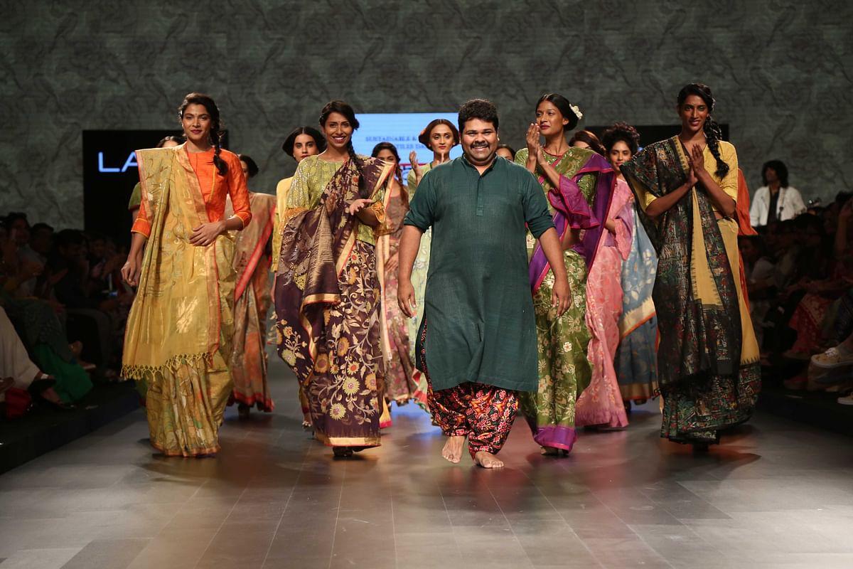 Gaurang shah pulls off a fascinating surprise at the Lakme Fashion Week 2016 (Photo: Yogen Shah)