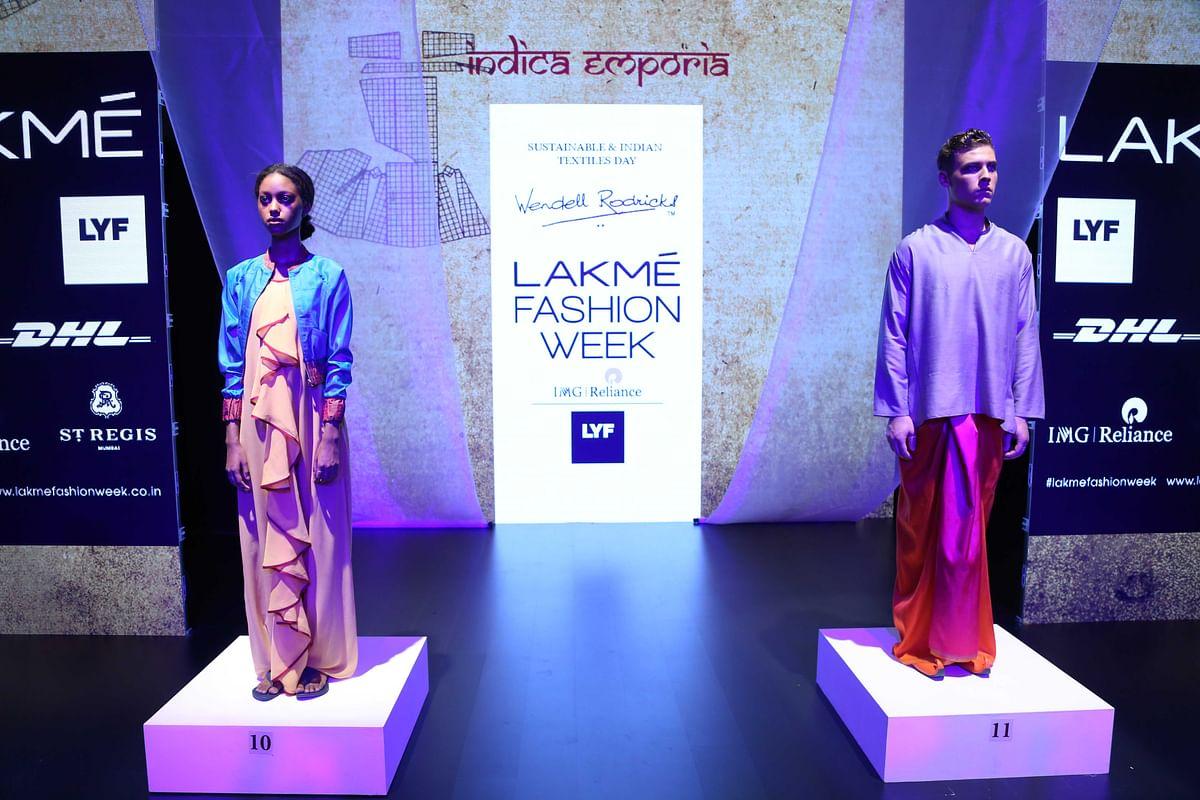 Recognise the sari yet? (Photo: Yogen Shah)