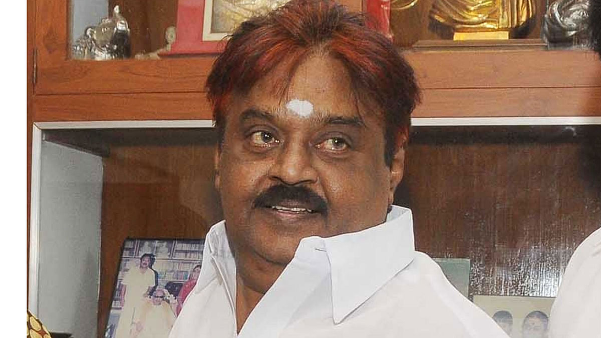 DMDK Seals Lok Sabha Poll Pact With AIADMK in TN, Get Four Seats