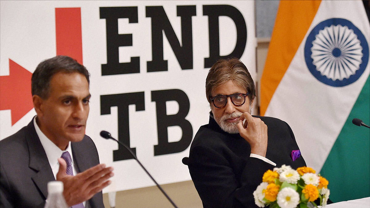 Bollywood actor Amitabh Bachchan and US Ambassador to India Richard Verma during a press conference. (Photo: PTI)