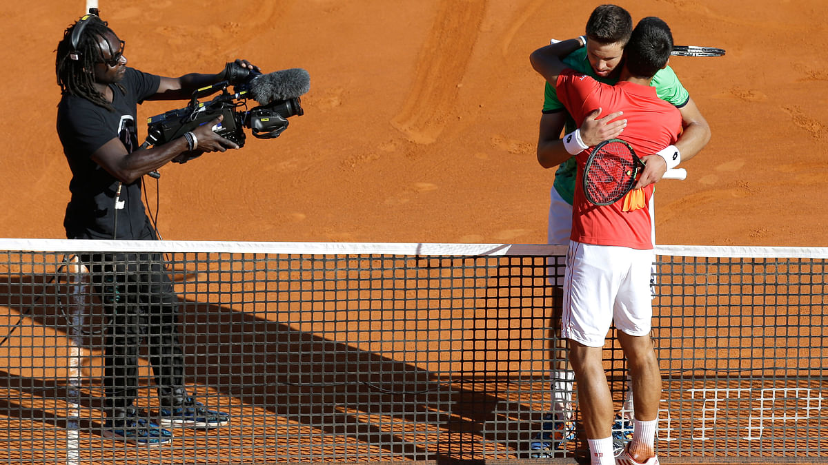 Jiri Vesely of Czech Republic left,  congratulated by Novak Djokovic of Serbia after their match at the Monte Carlo Tennis Masters tournament in Monaco (Photo: AP)