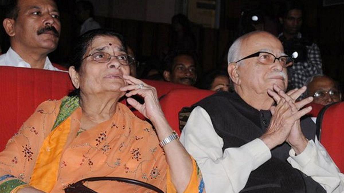 "File photo of Kamla Advani with her husband LK Advani at an event. (Photo: <a href=""https://twitter.com/smitaprakash/status/717699183541510144/photo/1"">Twitter.com/@SmitaPrakash</a>)"