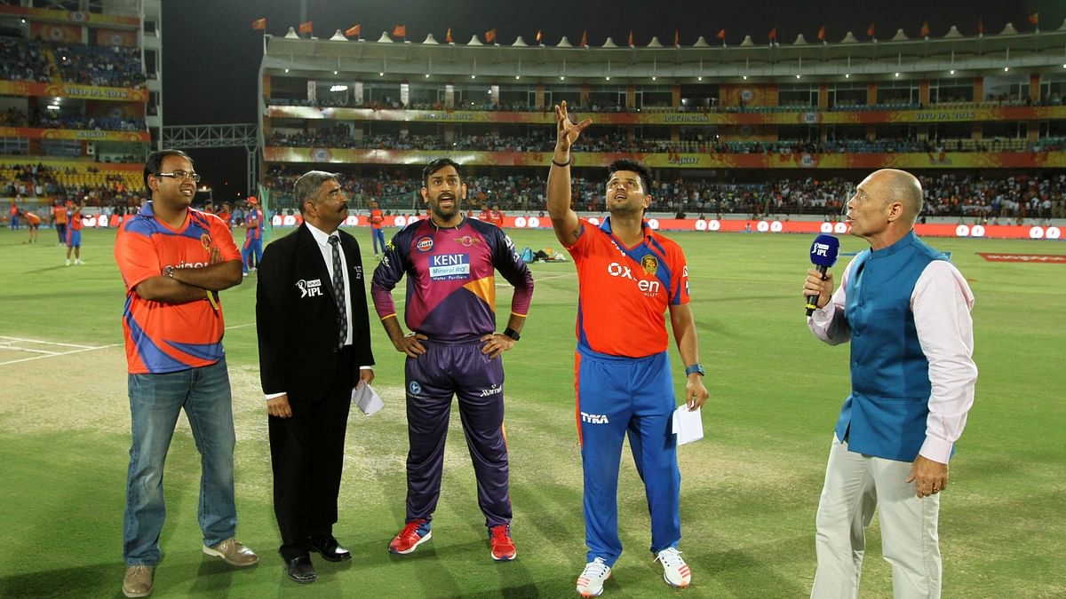 GL captain Suresh Raina with the coin during the toss (Photo: BCCI)