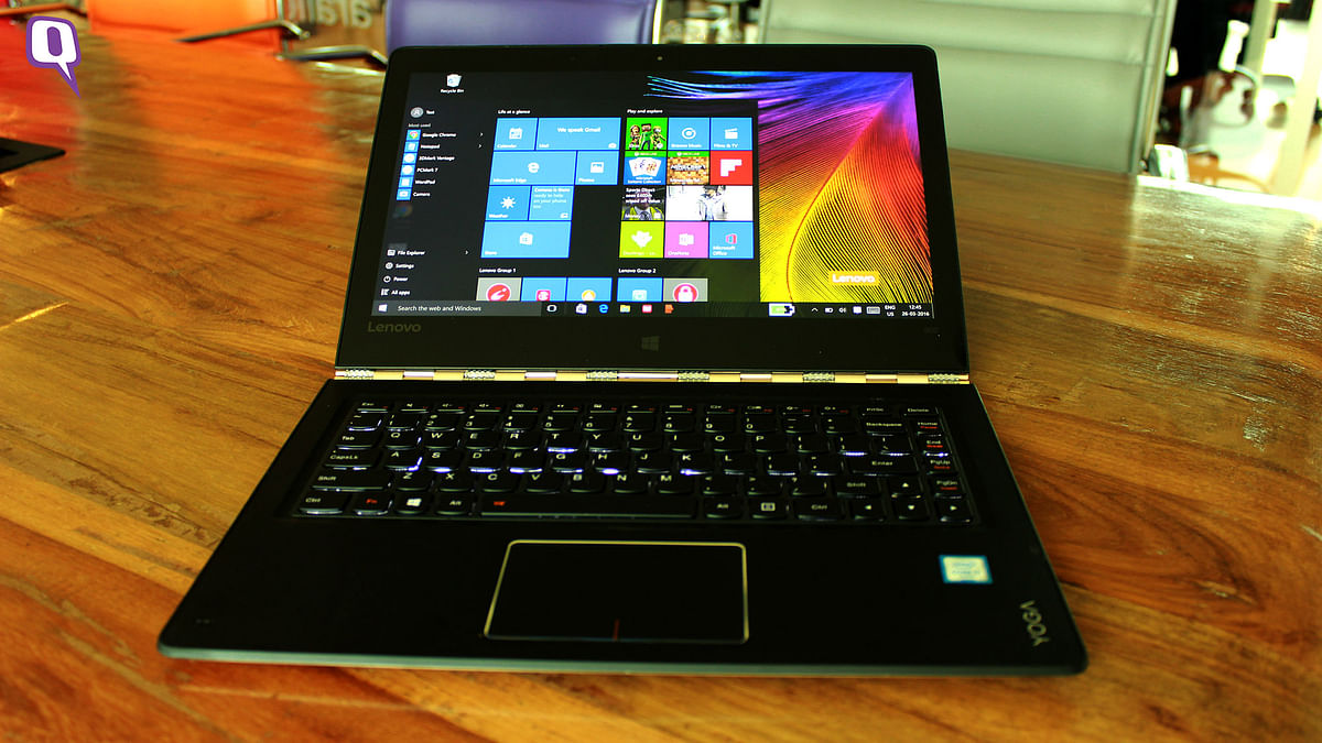 Lenovo Yoga 900 comes with backlit keyboard. (Photo: <b>The Quint</b>)