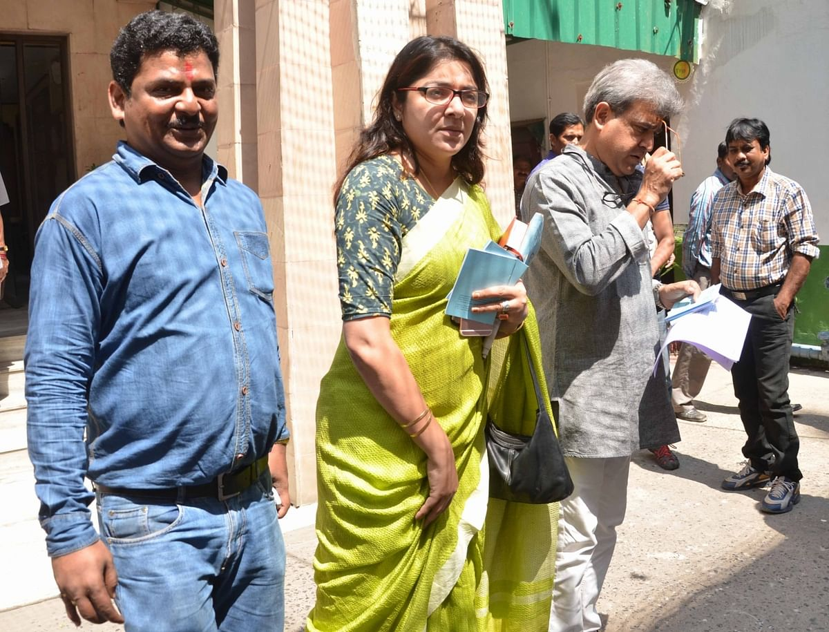 BJP leader Locket Chatterjee arrives at the office of EC to lodge a complaint against TMC leader, Anubrata Mandal. (Photo: IANS)