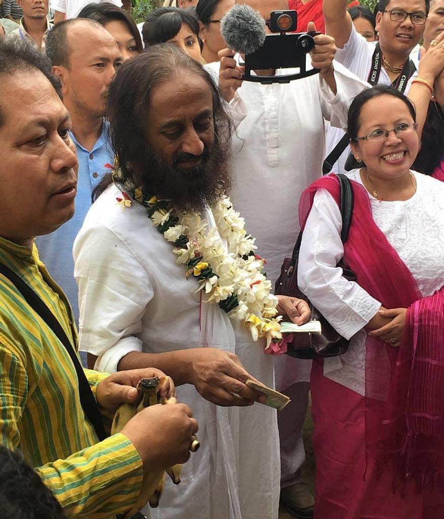 How acceptable is Sri Sri Ravi Shankar as a go-between to the hard core militant leaders?(Photo: Suresh Babu)