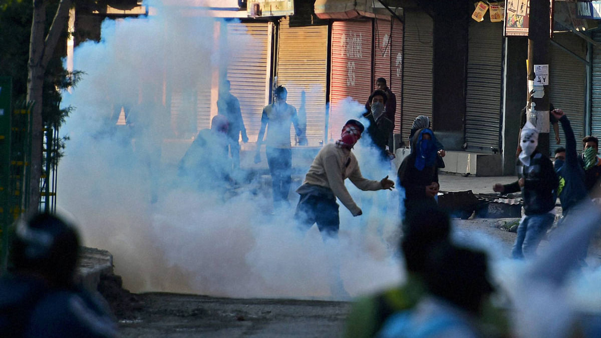 People protest at Handwara. (Photo: PTI)