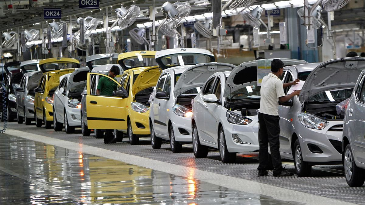 No Deadline for Auto Makers To Go Electric, Says Indian Govt